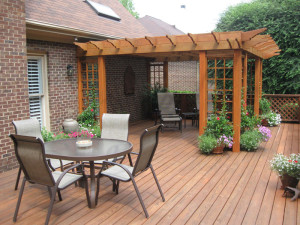 Simple Wooden Backyard Decking Ideas with the Coffee Table