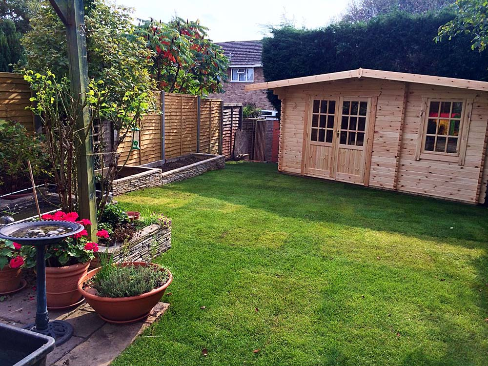 Lesley neil s garden makeover mh landscapes for Garden makeover