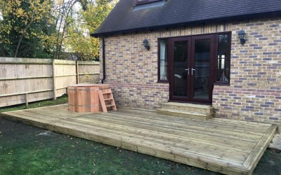 Jenny's Small Decking Around Hot Tub