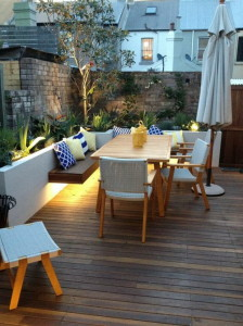 Nice-and-Stylish-Outdoor-Patio-Lighting-in-Small-Backyard